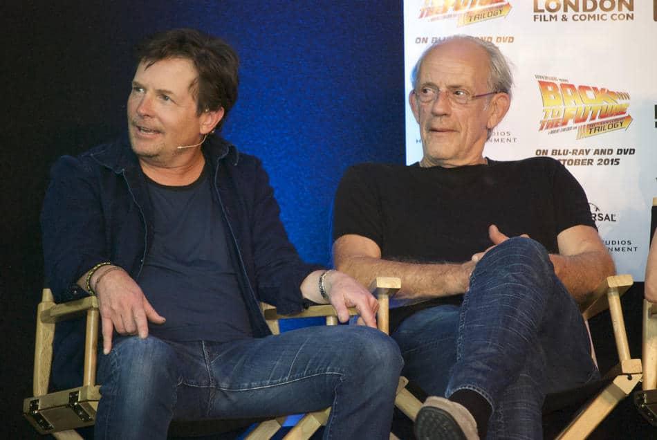 Michael J. Fox e Christopher Lloyd ospiti del Comic-Con di Londra per celebrare i 30 anni di Ritorno al Futuro.