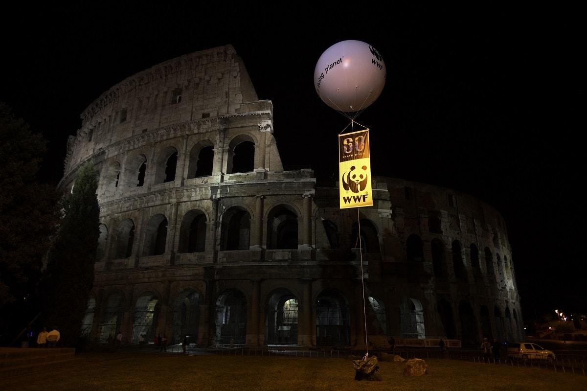 Colosseo spento durante l'ora della Terra 2008