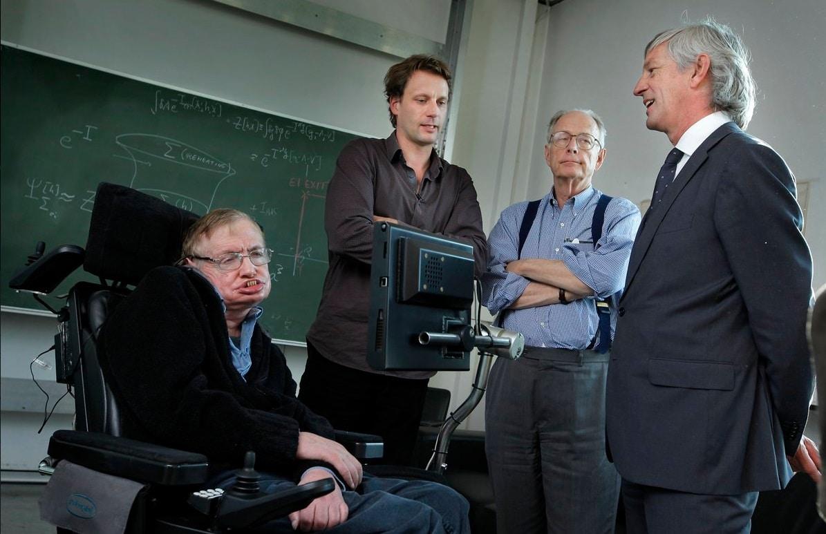 Stephen Hawking e Thomas Hertog